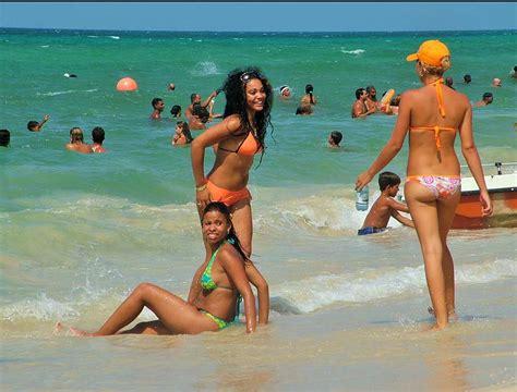 cuba beaches girls